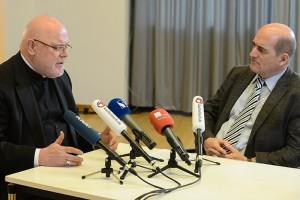 Kardinal Reinhard Marx, Vorsitzender der Deutschen Bischofskonferenz (l.), im Interview mit Ludwig Ring-Eifel. Foto: Harald Oppitz, KNA