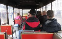 Fahrgäste im Römerexpress
